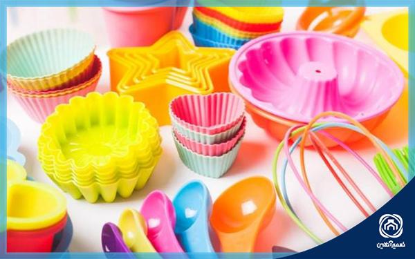 نحوه شستن ظروف پلاستیکی