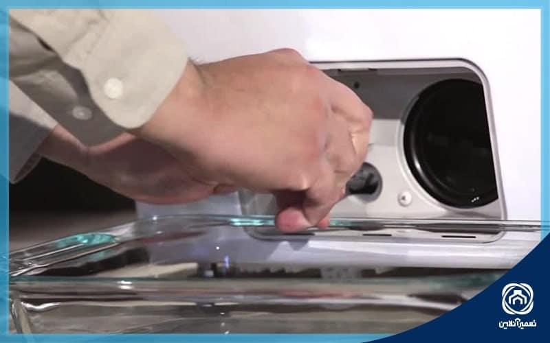 خرابی پمپ تخلیه یکی از علت تخلیه نشدن آب ماشین لباسشویی است.