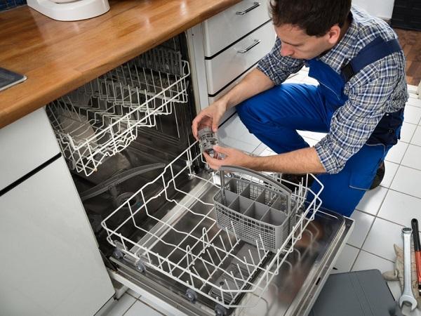 علت جمع شدن آب در ظرفشویی خاموش