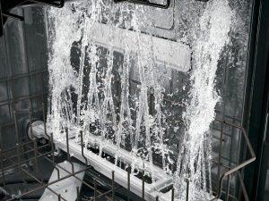 علت گرم نشدن آب ماشین ظرفشویی