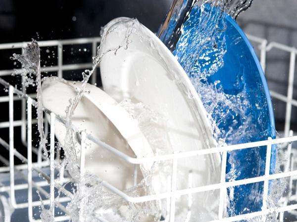آیا می توان ماشین ظرفشویی را به آب گرم وصل کرد؟