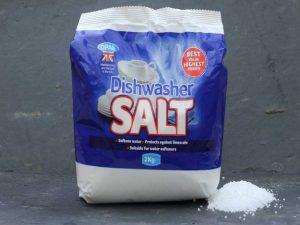 نحوه ریختن نمک در ماشین ظرفشویی